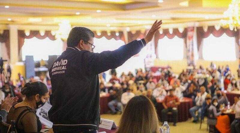 David Monreal piensa como maestro, habla como maestro, ¡Es un maestro!
